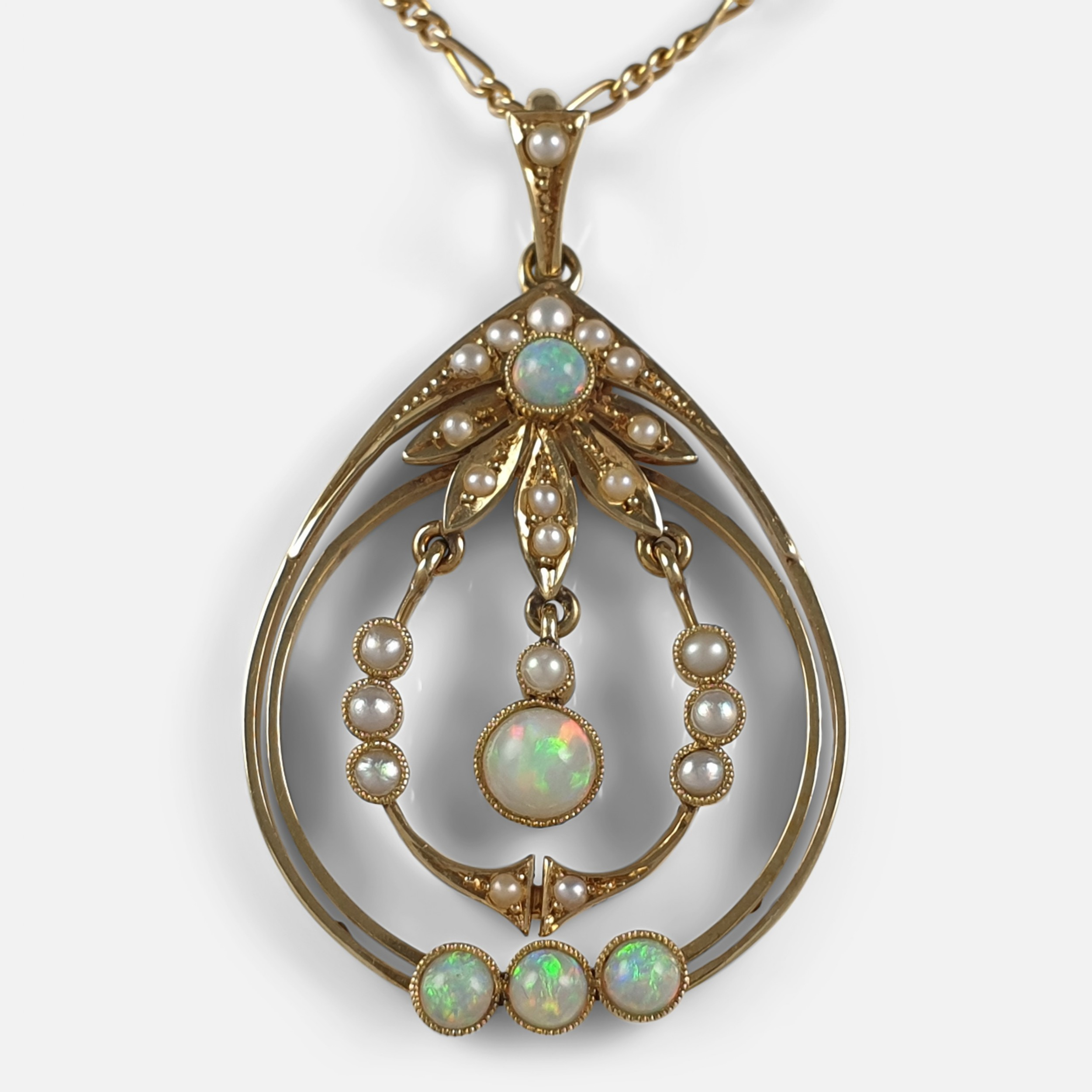 15ct yellow gold opal and pearl pendant and chain