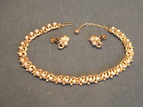 trifari necklace set