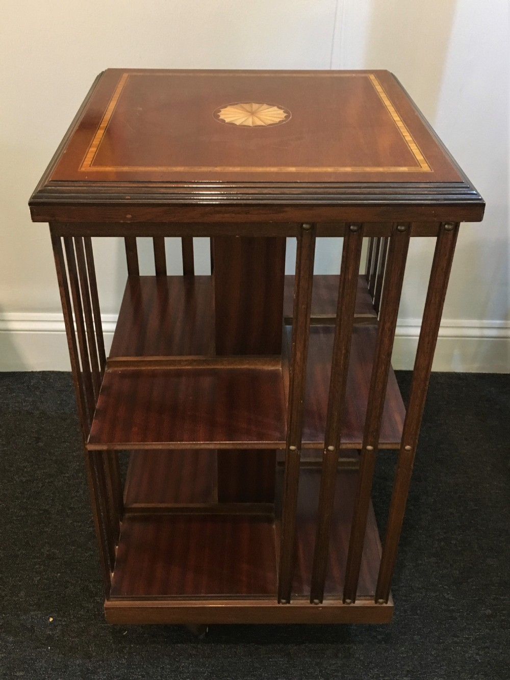 A Good Quality Antique Early C20th Inlaid Mahogany Rotating