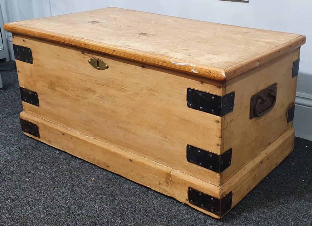victorian pine chest blanket box tv stand coffee table 19th century
