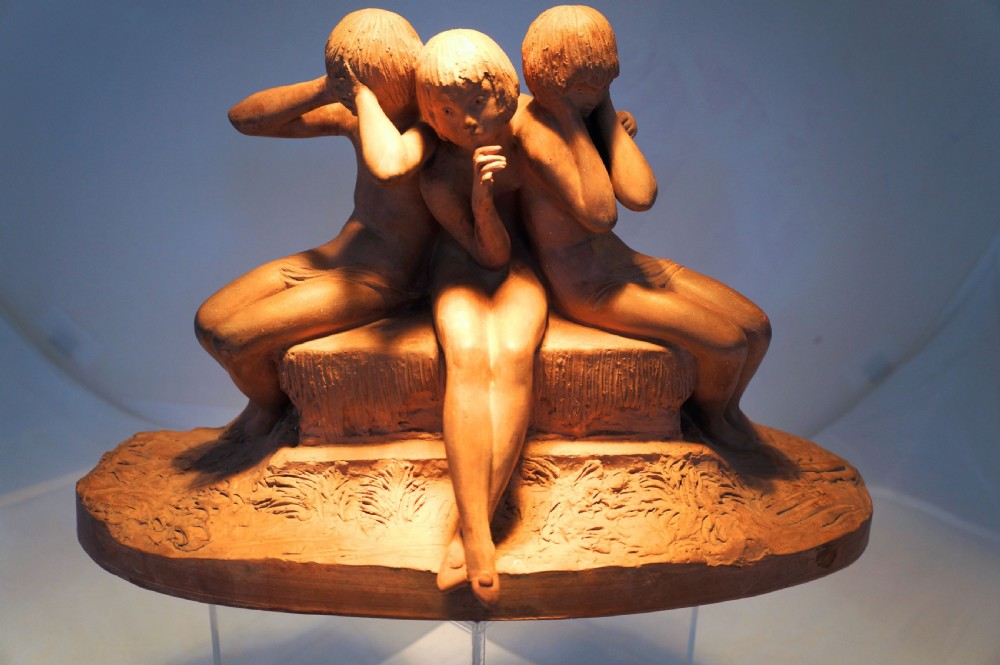 art deco sculpture trois jeunes filles france c 1920