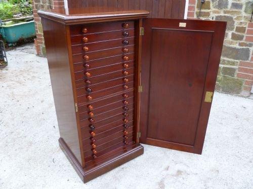 antique mahogany collectors cabinet - Antique Mahogany Collectors Cabinet 139995 Sellingantiques.co.uk