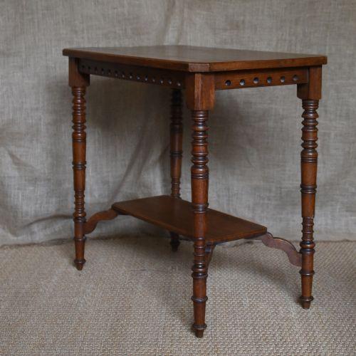 Arts and crafts oak side table 433470 sellingantiques for Arts and crafts side table