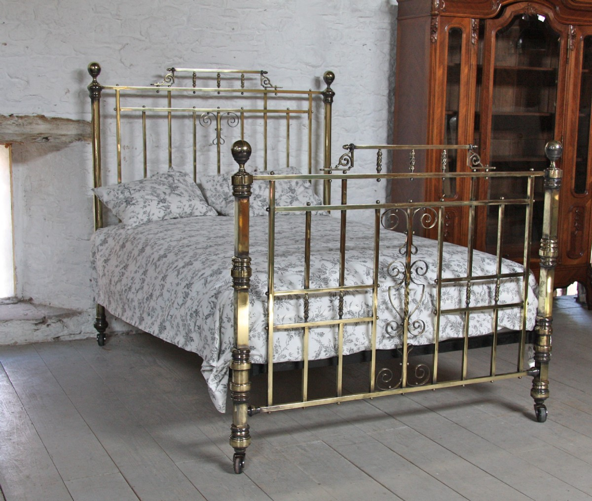 Original Victorian Brass Beds : All original victorian solid brass king size bedstead with