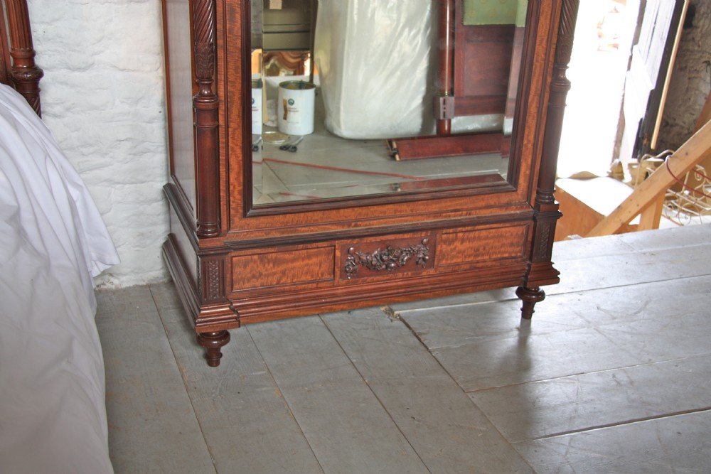 Louis Xv1 Mahogany And Amboyna Wood Bedroom Suite With
