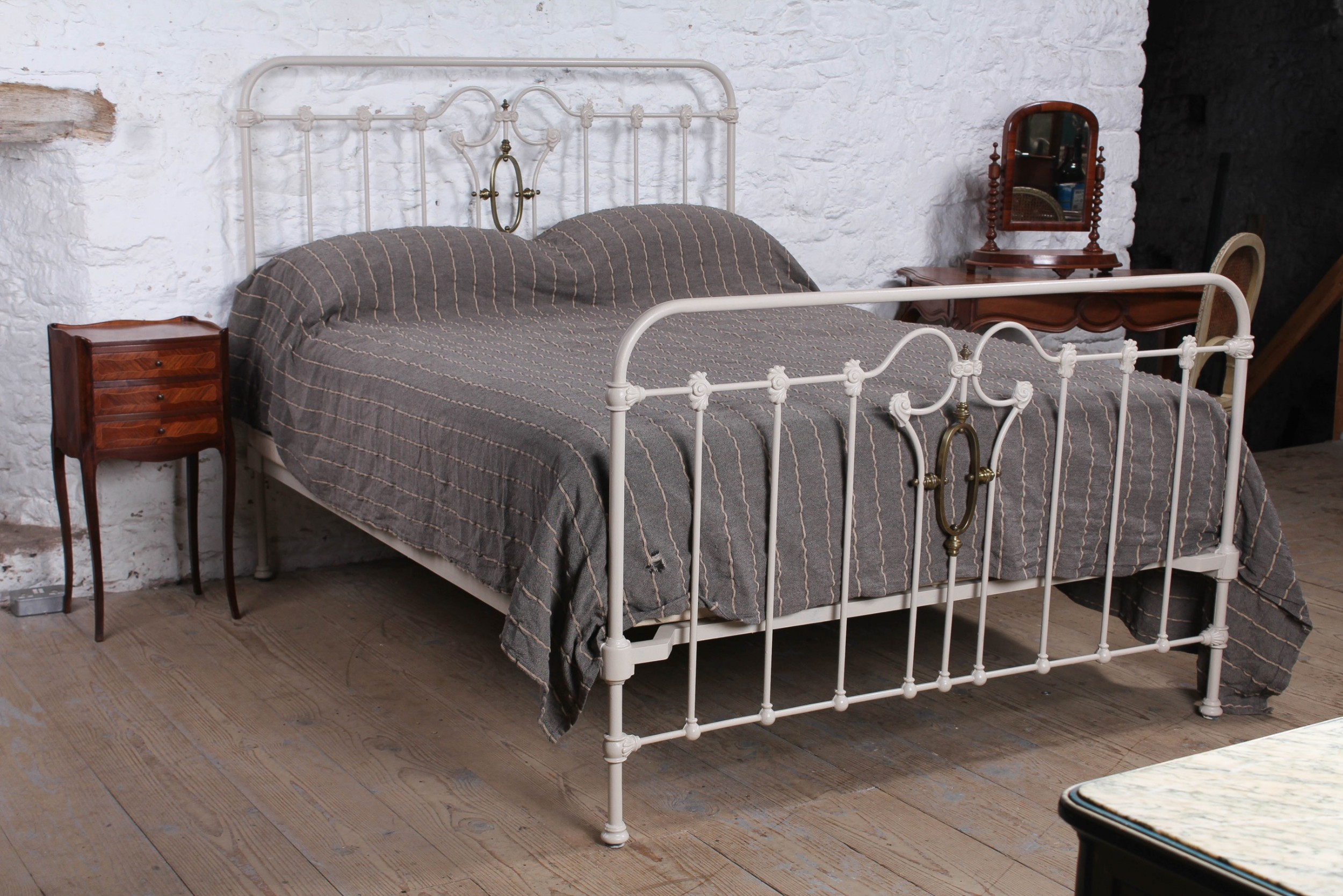 very individual and fashionable king size bed