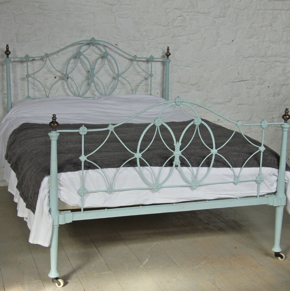 17 iron bedsteads coast to country antique victorian brass