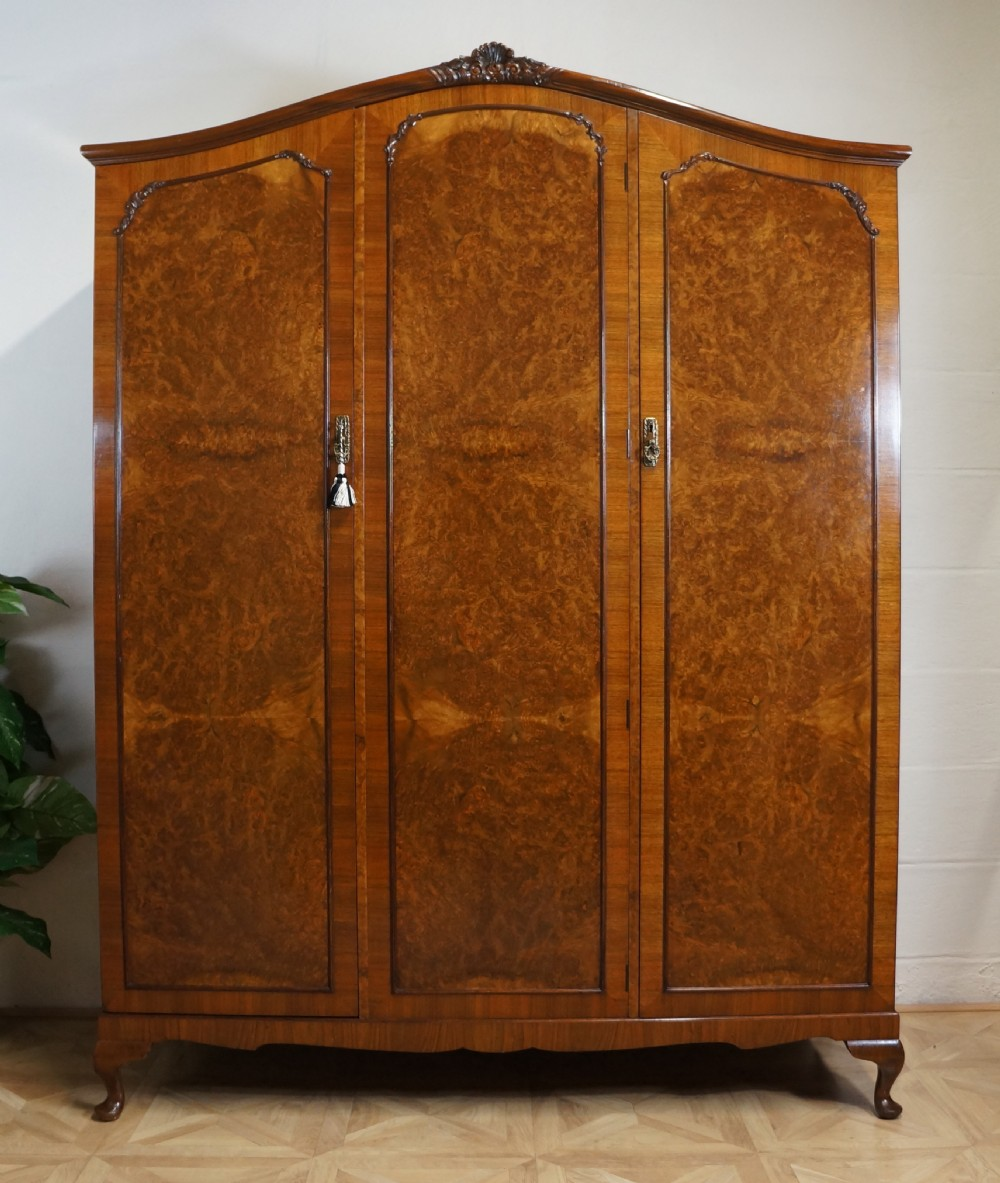 queen anne french style fitted burr walnut triple wardrobe. Black Bedroom Furniture Sets. Home Design Ideas