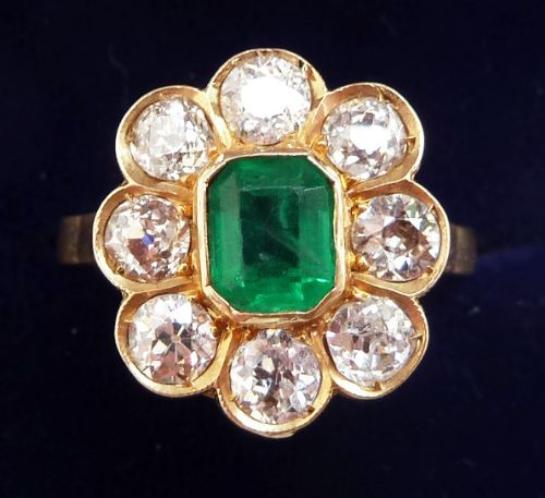 superb 18ct gold edwardian colombian emerald and diamonds cluster daisy ring