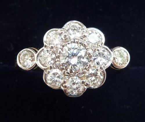 beautiful 18ct gold and platinum 1ct diamond daisy vintage antique ring