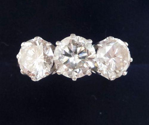 gorgeous 18ct and white gold 245ct diamond three stone vintage antique trilogy ring