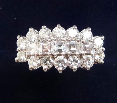 beautiful vintage 18ct and white gold 070ct diamond cluster vintage antique ring