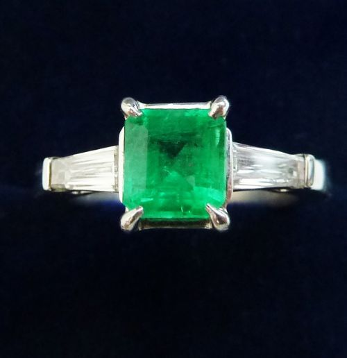 gorgeous art deco 18ct 18k white gold emerald and baguette diamond vintage antique trilogy ring small size j
