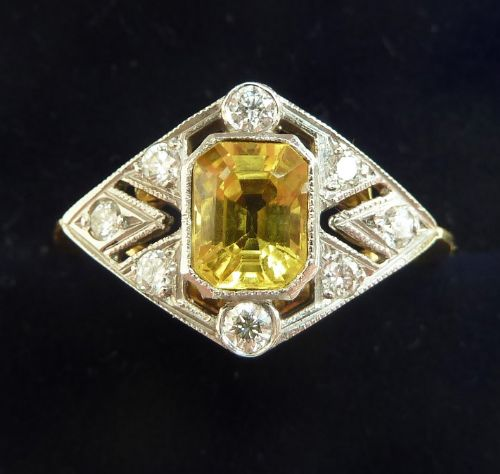 gorgeous 18ct gold and platinum 075ct yellow sapphire and diamond vintage antique ring