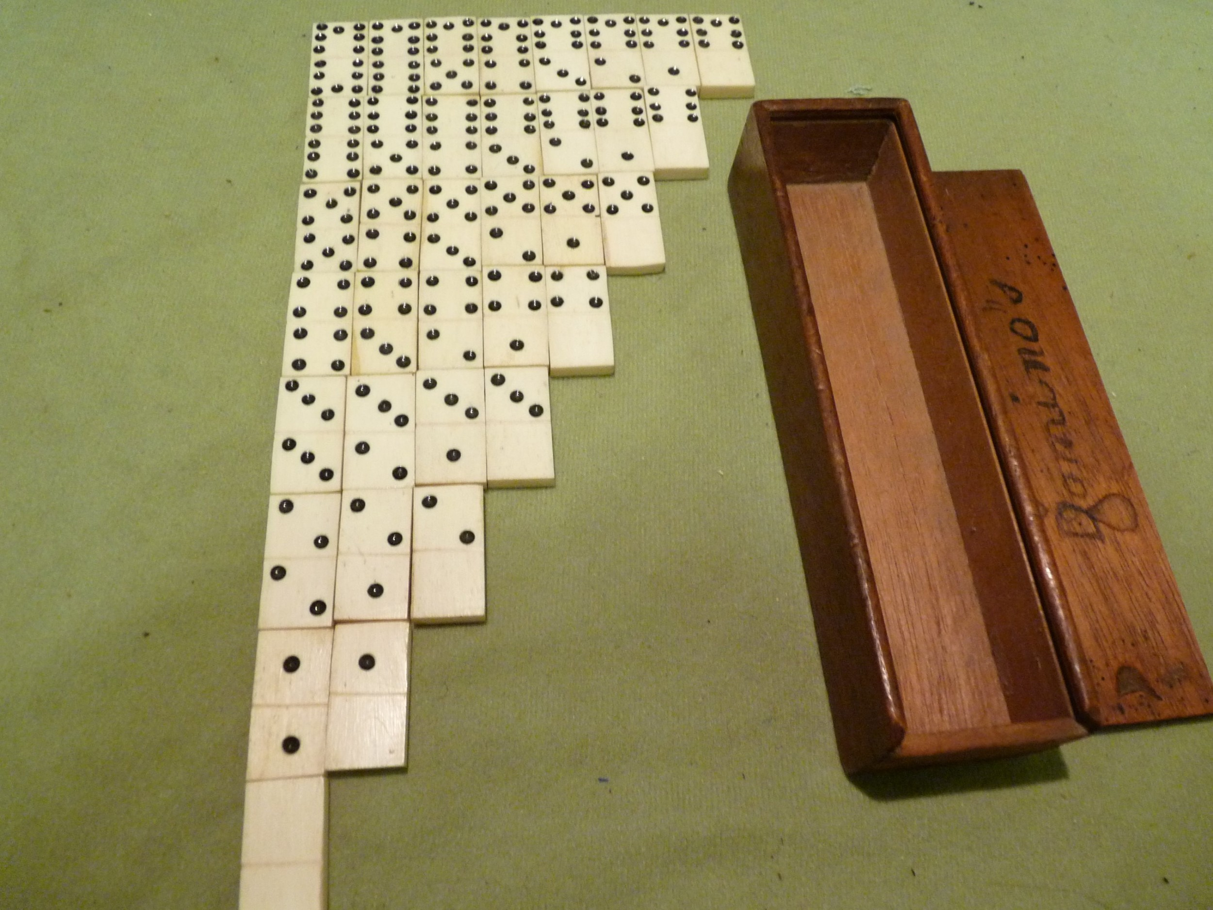 possibly unique boxed miniature set of 7s dominoes c 1900