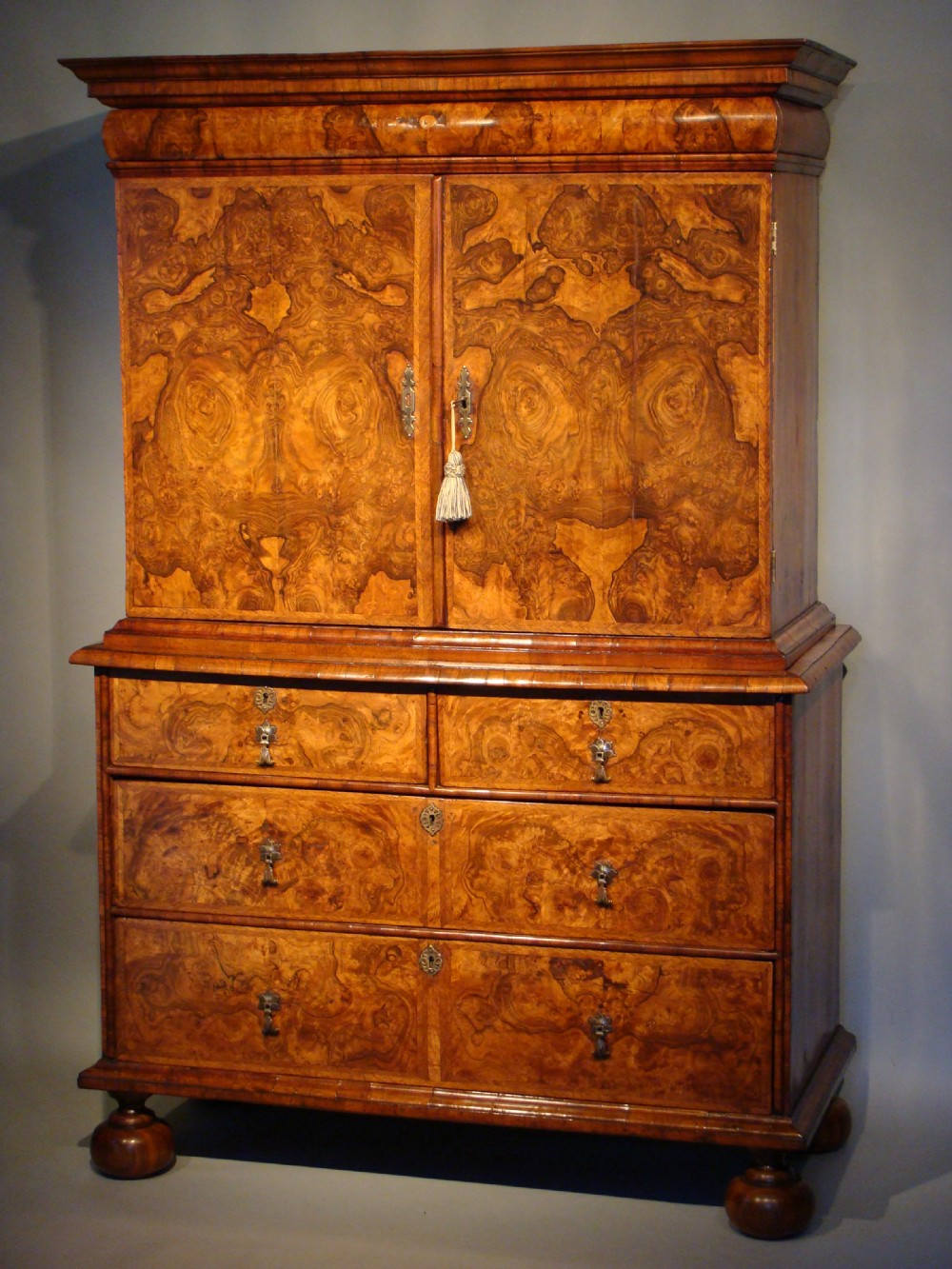 Exceptional William Mary Period Burr Walnut Cabinet On Chest