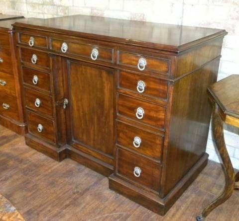 victorian mahogany kneehole desk