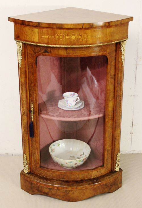 Camden Antiques - Antique Corner Cabinets - The UK's Largest Antiques Website