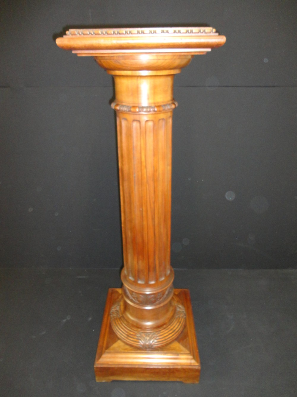 French carved walnut fluted pedestal column 299335 for Fluted pedestal base