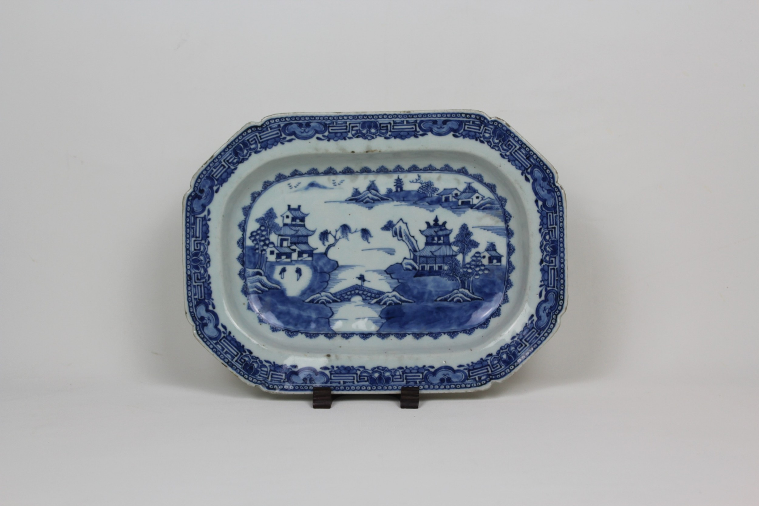 chinese willow pattern plate