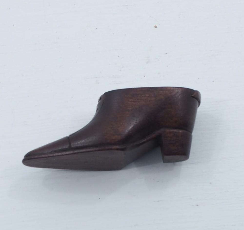 19th century dutch shoe snuff box