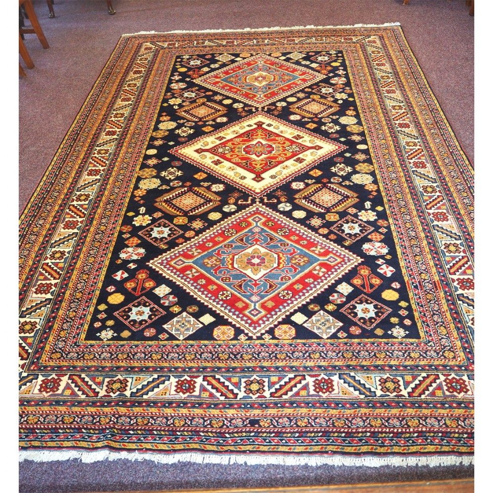 fine quality persian quasquai wool carpet