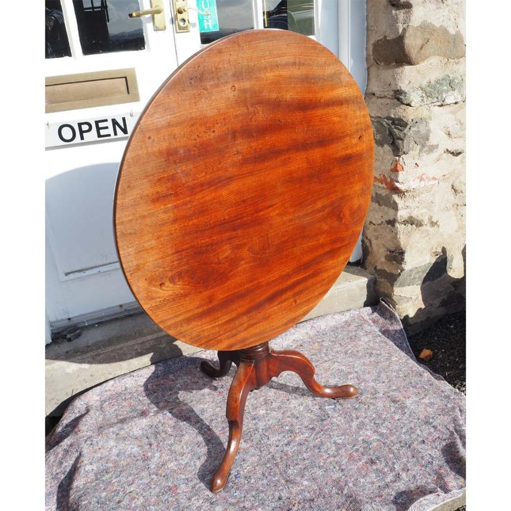 large 18th century mahogany tripod table