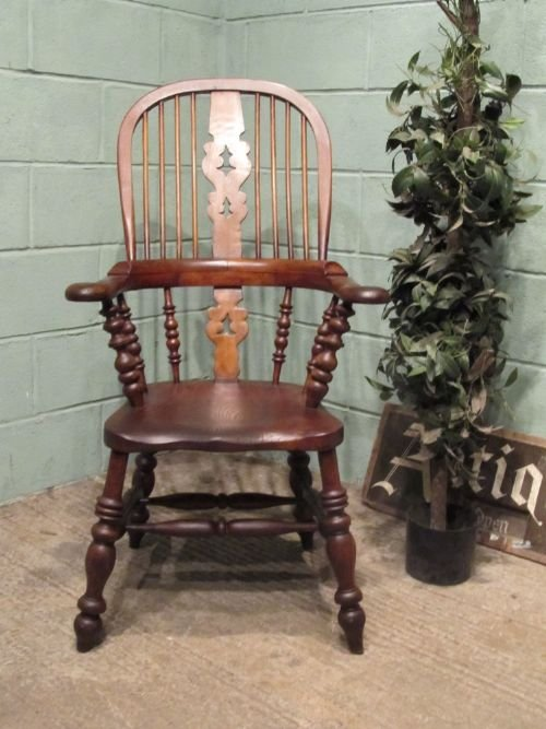 antique victorian oak elm broad arm windsor chair c1850 w650927
