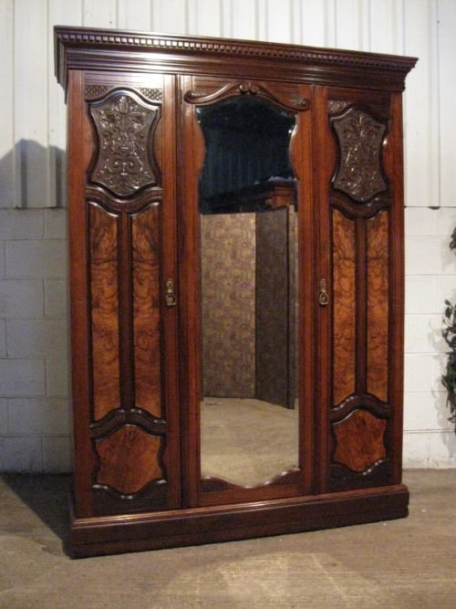superb quality antique art nouveau small mahogany burr walnut triple wardrobe armoire c1890. Black Bedroom Furniture Sets. Home Design Ideas
