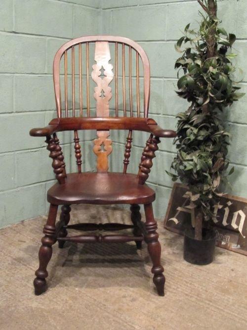 antique victorian oak elm broad arm windsor chair c1850 w650927