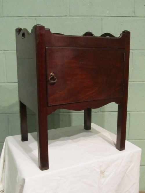 antique georgian mahogany low bedside cabinet pot cupboard c1780 w653418