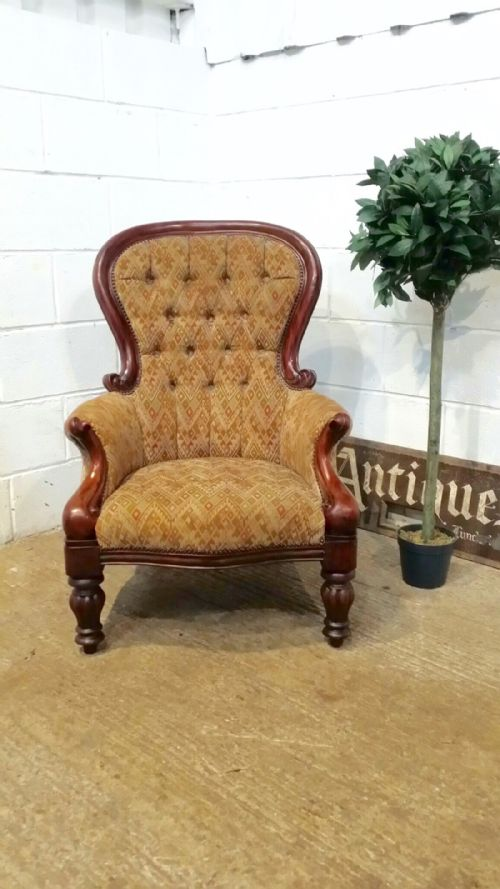 chaise longue scotland with Stock on Baumhaus Mobel Oak Shoe Cupboard Tall in addition Mark Harris Liv Chesterfield Ivory Linen Fabric 3 Seater Sofa likewise Gertrude Elizabeth Nee Blood Lady Colin C bell 1897 Giovanni Boldini further Stock additionally Large Tyres.
