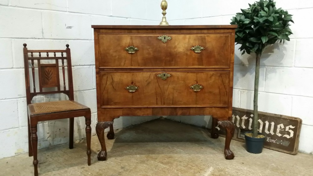 antique georgian period walnut chest of drawers c1760