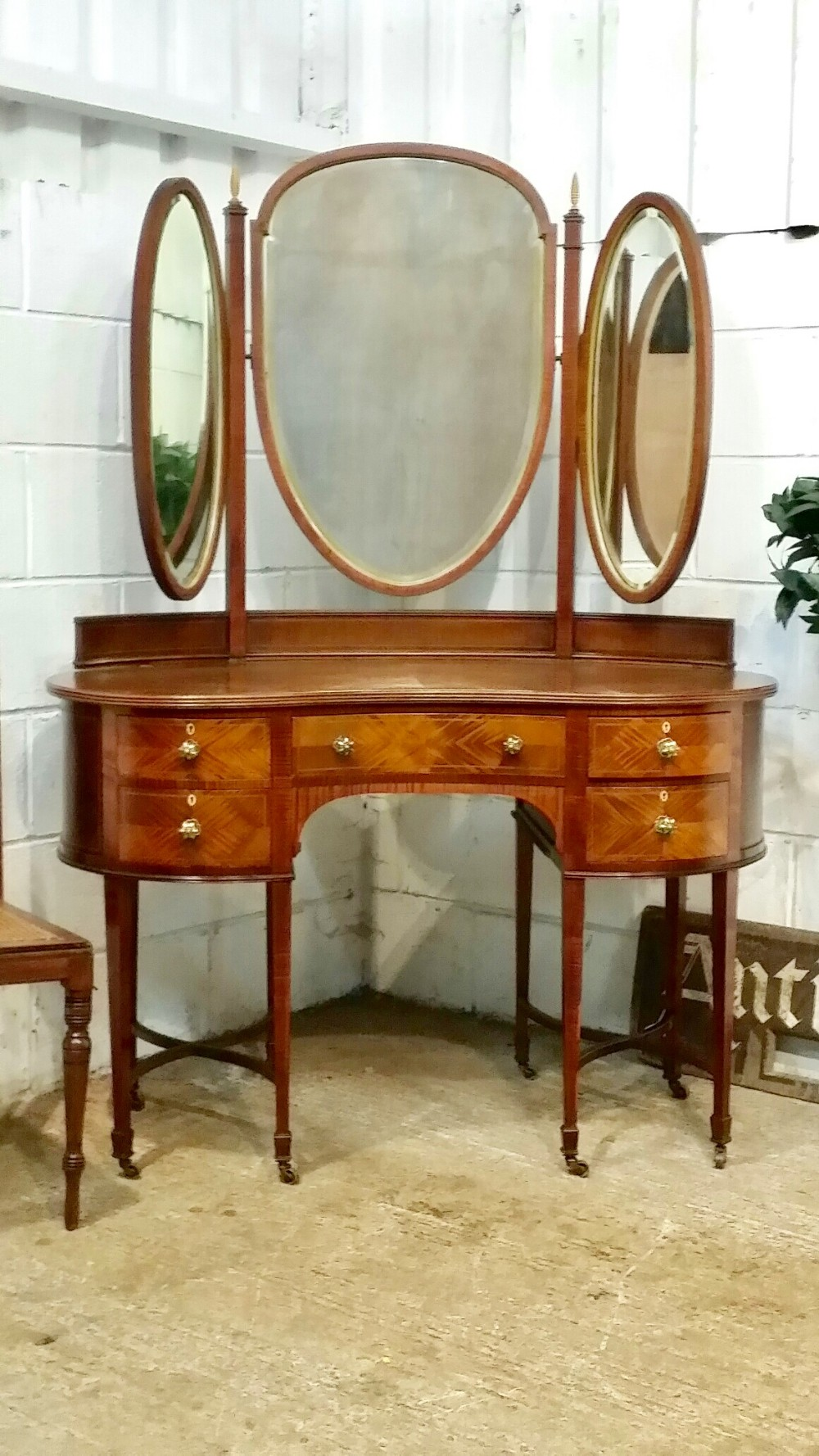 antique edwardian sheraton walnut serpentine shaped dressing table c1900
