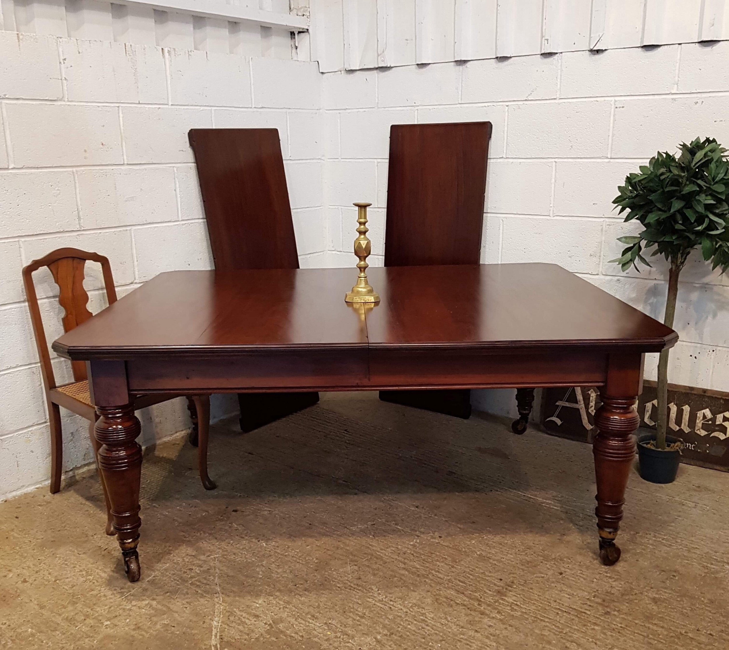 antique victorian mahogany extending dining table seats twelve c1880