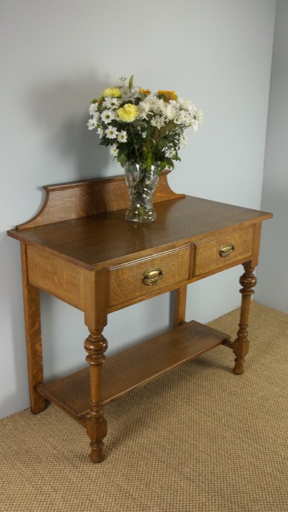 Antique oak side hall table of arts and crafts lowboy for Arts and crafts sofa table