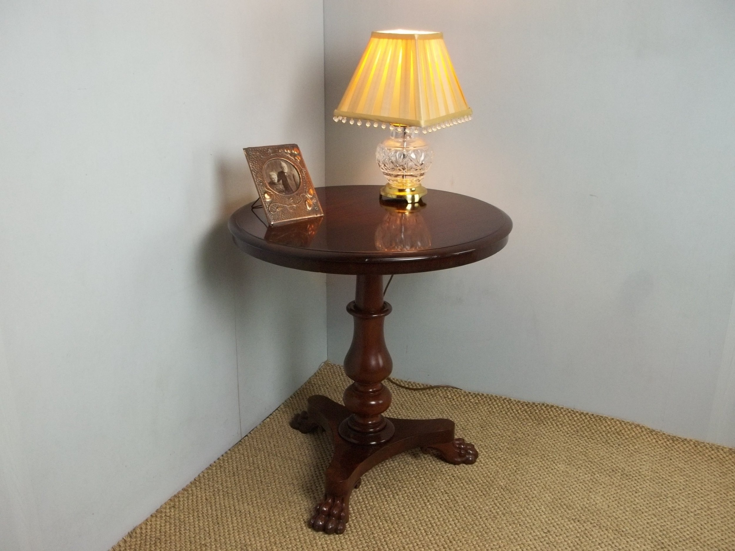 Antique Regency William Iv Small Mahogany Centre Tripod Pedestal Dining Circular Round Hall Lamp Occasional Side Table C 1830 492539 Sellingantiques Co Uk