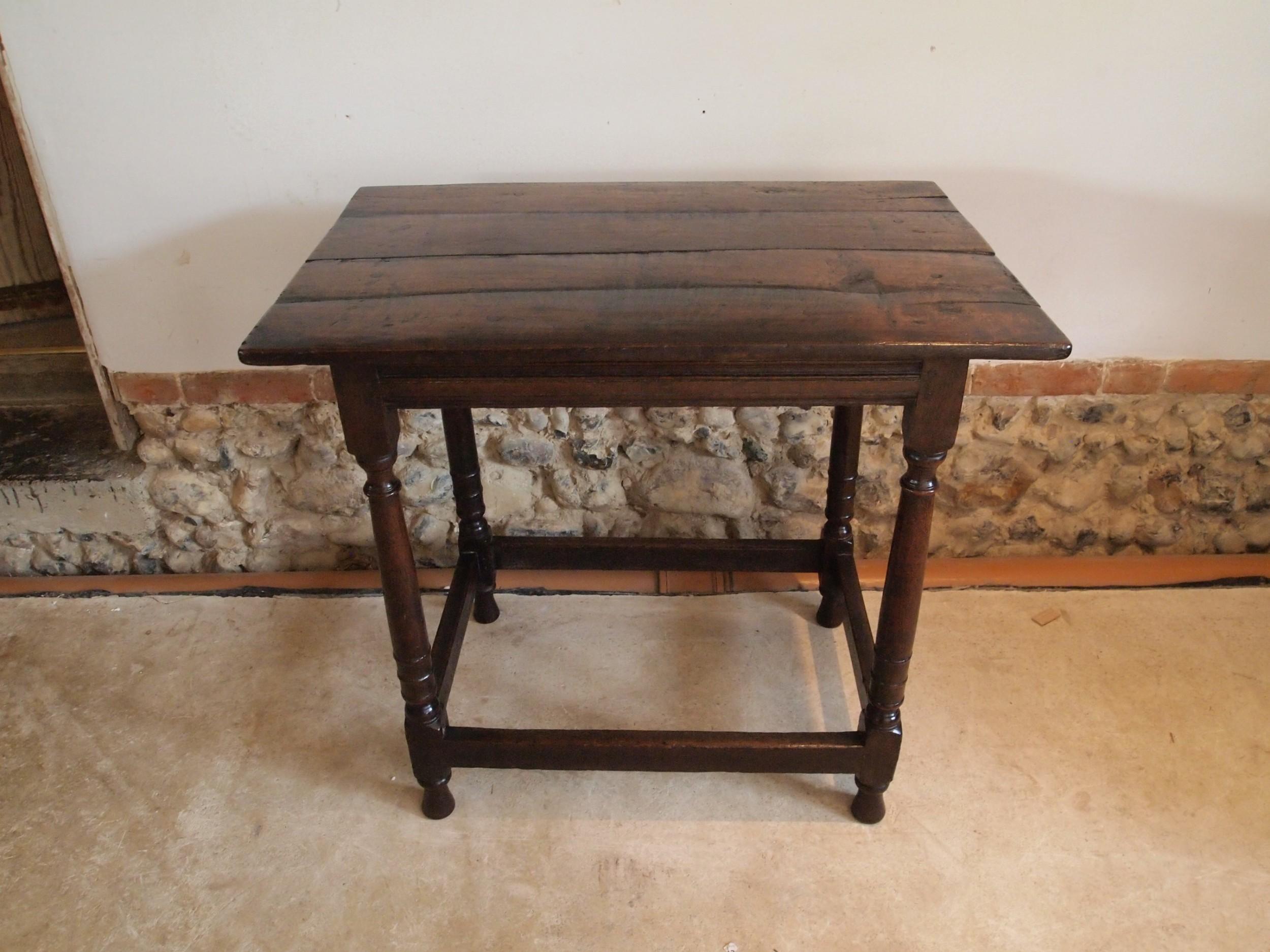 table queen anne oak side hall lamp c1700
