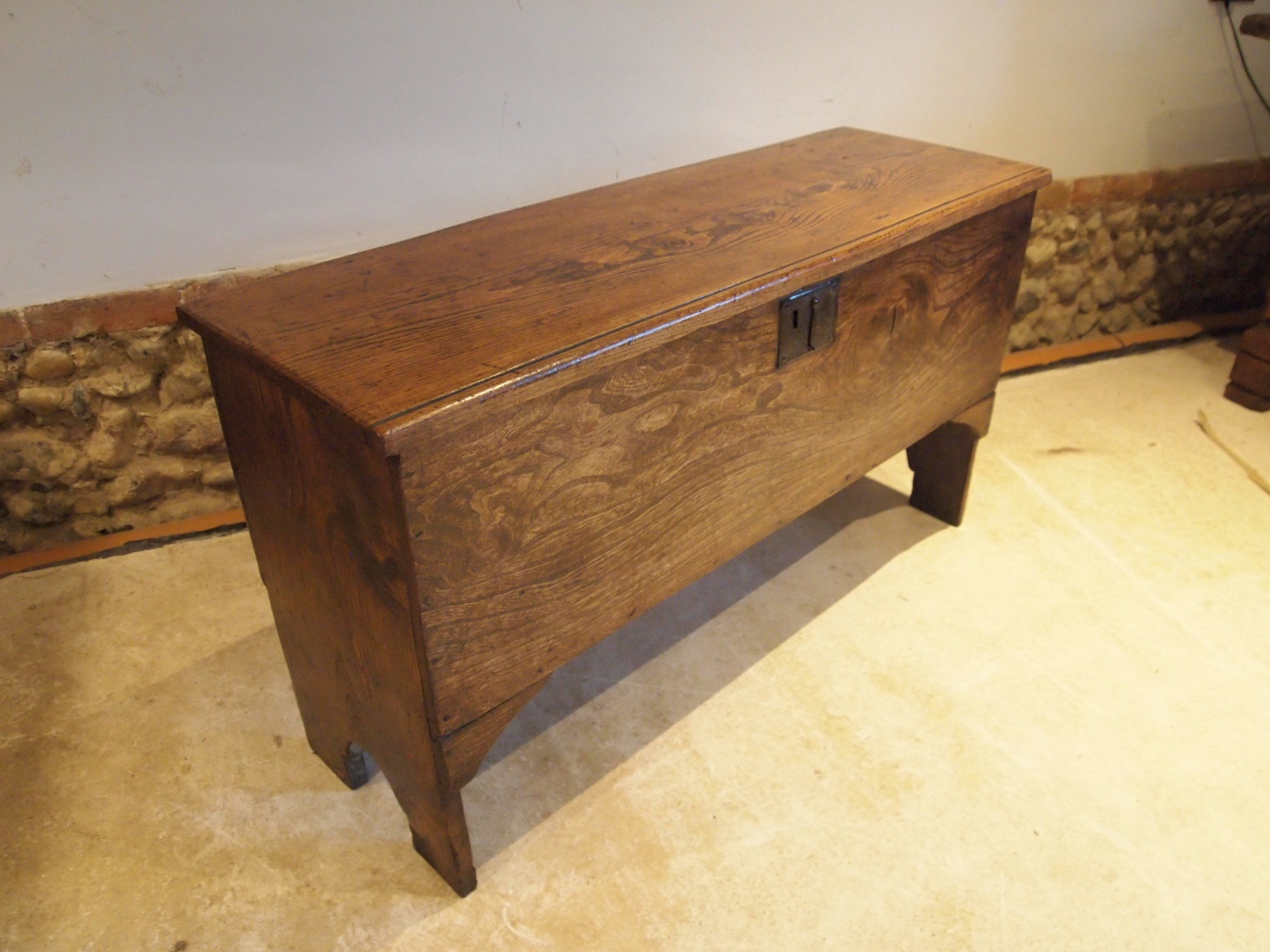 coffer trunk chest blanket box six plank elm c1720