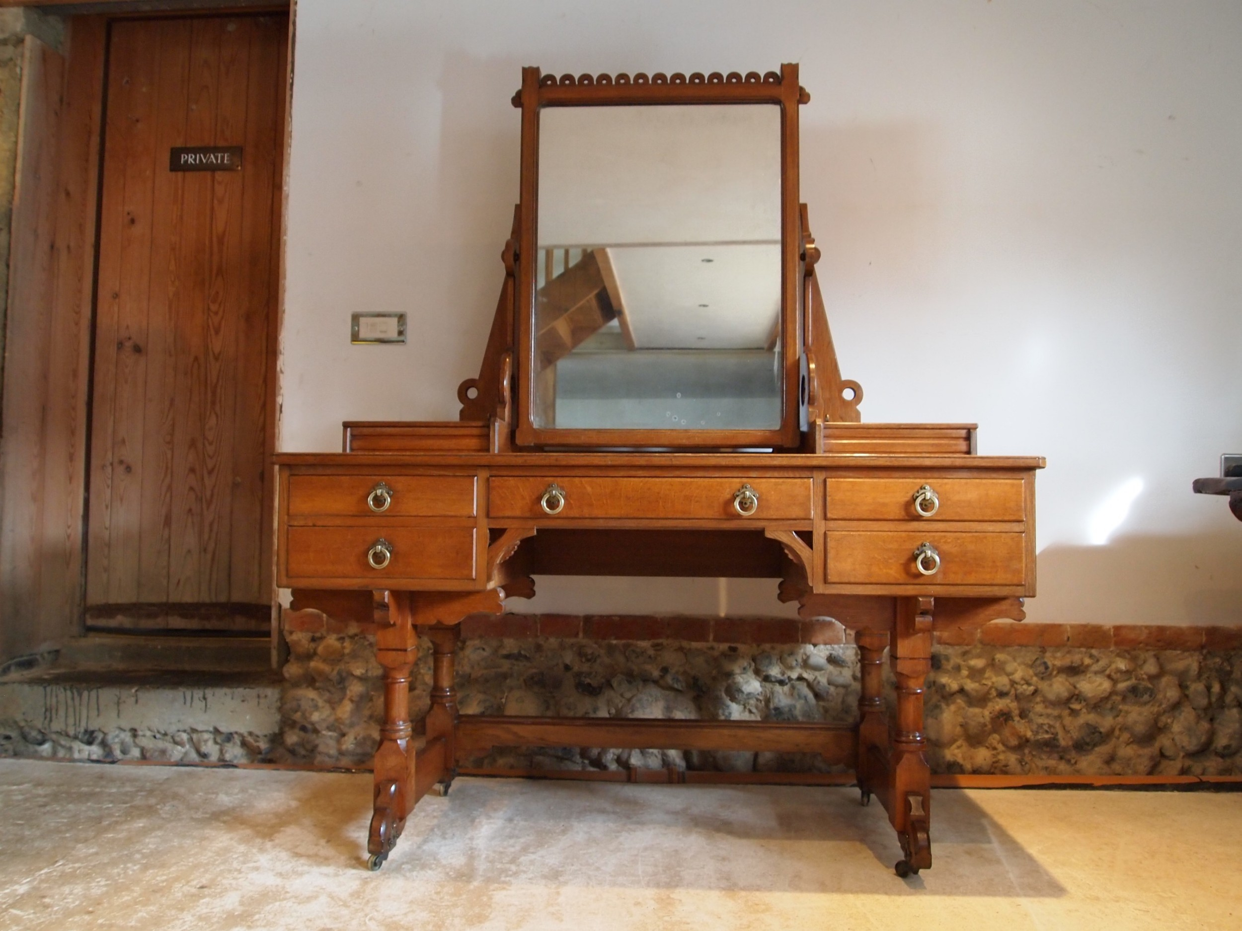 dressing table victorian oak arts and crafts gillows pugin influenced c1870