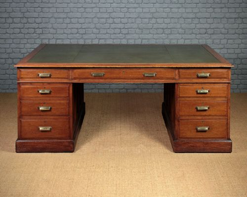 - Antique Oak Desks - The UK's Largest Antiques Website