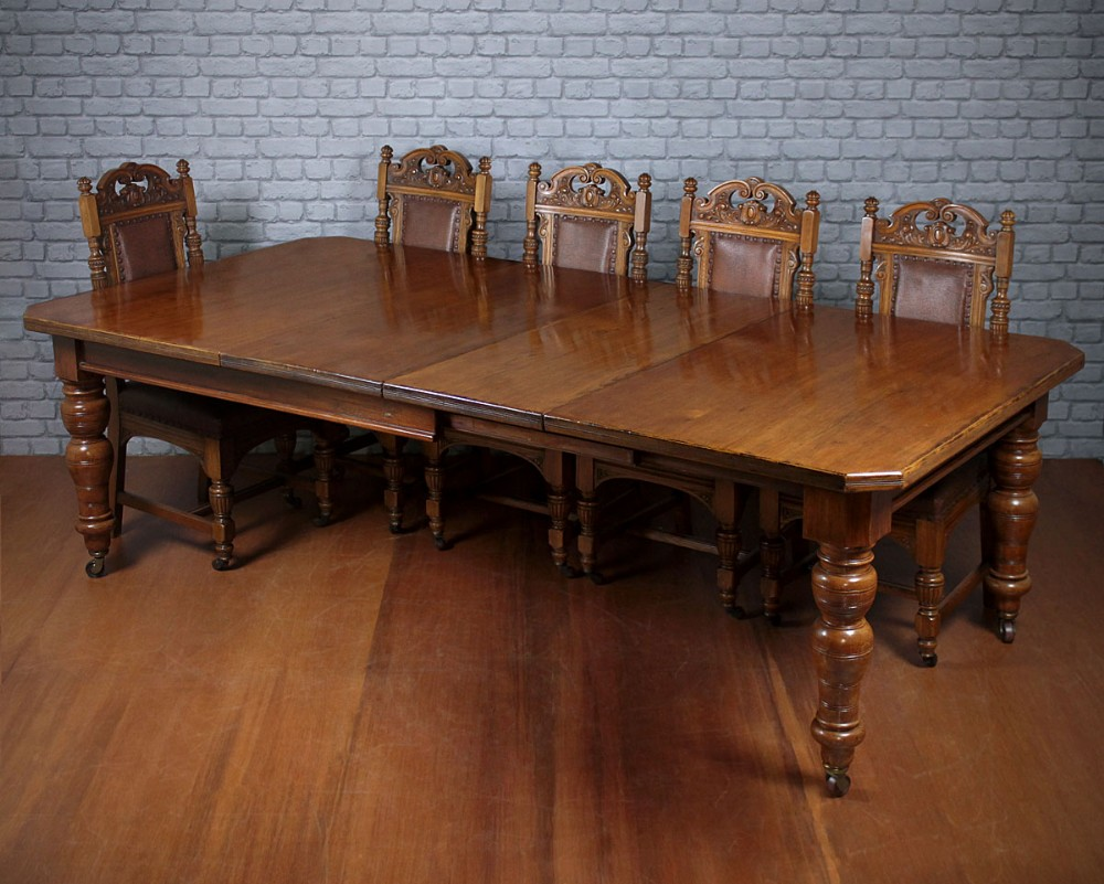 10 seat pine oak extending dining table 358511. Black Bedroom Furniture Sets. Home Design Ideas