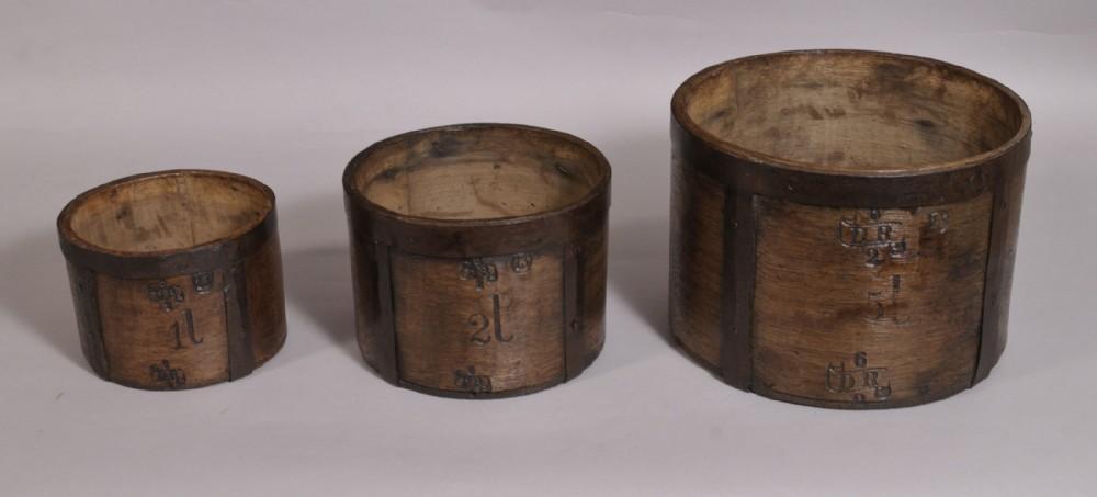 antique treen 19th century set of three oak measures