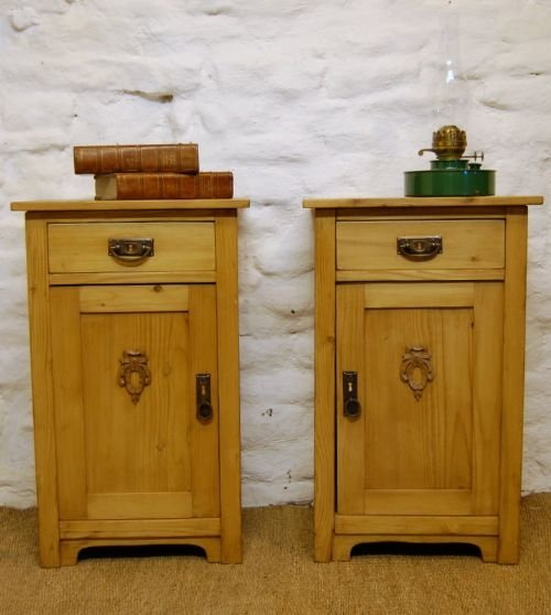 victorian pair of pine bedside cabinets side tables. antique photo - Victorian Pair Of Pine Bedside Cabinets / Side Tables 100488