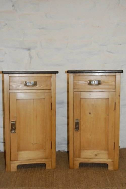 antique pair of pine bedside cabinets tables - Antique Pair Of Pine Bedside Cabinets /tables 110807