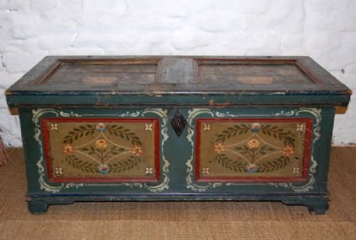 antique pine boxcoffertrunk in original paint