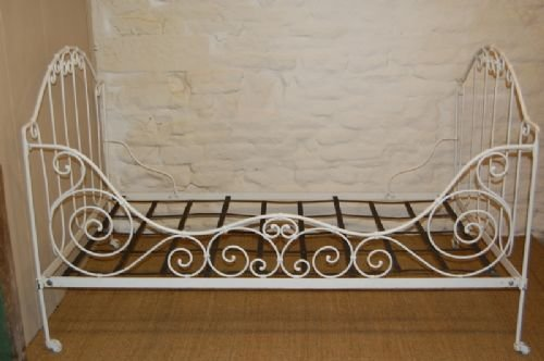dating antique iron beds 20072016 i created this video with the youtube slideshow creator ( ) antique wrought iron beds, iron bed ,iron beds for.