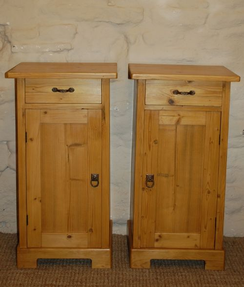 antique pair of pine bedside cabinets pot cupboards - Antique Pair Of Pine Bedside Cabinets / Pot Cupboards 223567