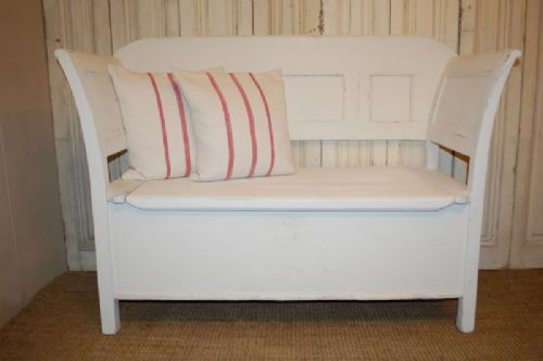 antique rustic farmhouse box settle bench with storage