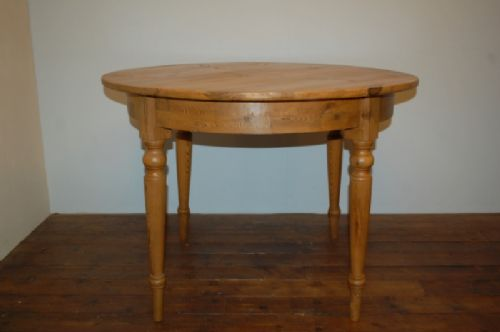 antique swedish round pine dining table kitchen table - Round Pine Kitchen Table